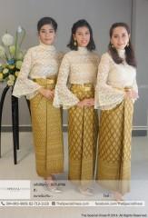 """เสื้อลูกไม้คอปีน แขนระฆัง (TLB.0736)  สี : ขาว, ครีม  Size : F ขนาด: อก 40″ เอว 40″ สะโพก Free""""  ชุดไทย ผ้าถุงยาวหน้านาง ลายไทย (TLS.0059)  สี : ทอง, เขียว, ส้ม, เงิน, ชมพู, ลาเวนเดอร์, ฟ้าคราม, เขียวมิ้นท์  Size : S ขนาด: อก Free"""" เอว 26″ สะโพก 32″ M ขนาด: อก Free"""" เอว 28″ สะโพก 34″ L ขนาด: อก Free"""" เอว 30″ สะโพก 36″ XL ขนาด: อก Free"""" เอว 32″ สะโพก 38″"""